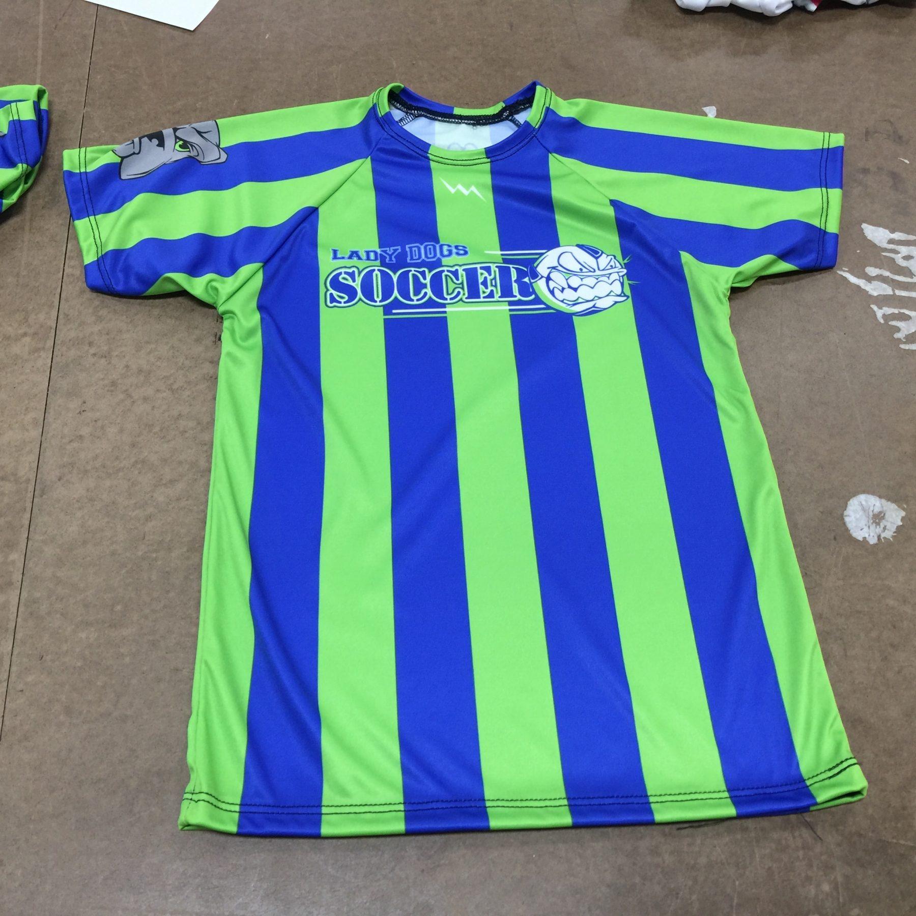 buy popular 65ccc d14e4 Kids Soccer Uniforms - Pinnies - Shorts - Reversible Jerseys